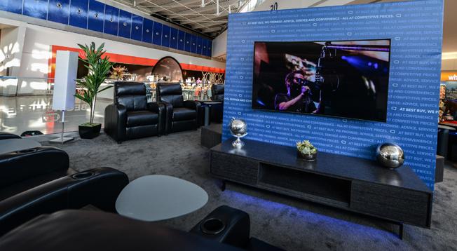 Best Buy UHD Lounge Pic 1
