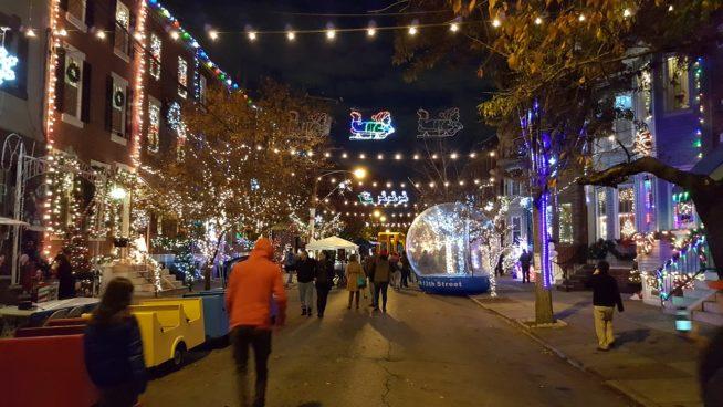 Best Buy - holiday lights