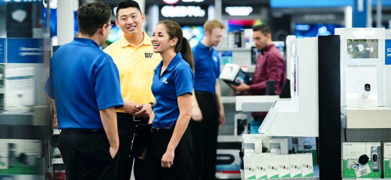 BlueShirt_YellowShirt_Store_Pasadena_FY19_SalesFloor_0039-1280x1280