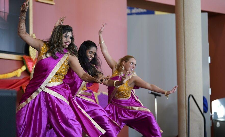 FY_20_085 Diwali_Dancers_003
